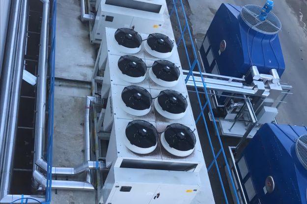 Contenedor marítimo reciclado creando un sistema modular
